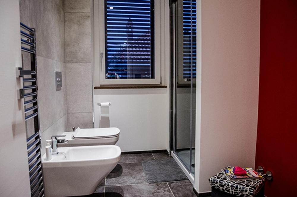 Cosa sapere per ristrutturare il bagno studio arch d - Cosa fare per andare in bagno ...